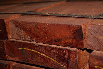 Hardhout funderingsbalk afm 50x200mm lengte 350cm
