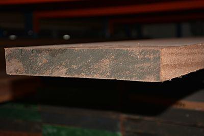 Meranti geschaafd afm 40x290mm lengte 335cm
