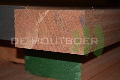 Meranti geschaafd gevingerl. 72x120mm 585cm